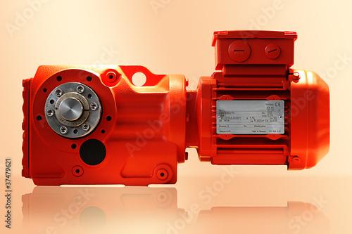 Industrieller Elektromotor mit Getriebe