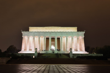 Abraham Lincoln Memorial at night, Washington DC USA