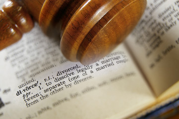 closeup of a gavel and divorce definition