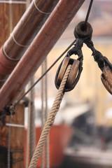Cordame in barca a vela