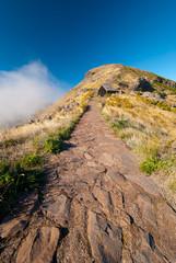 Über den Wolken, Bergwanderung