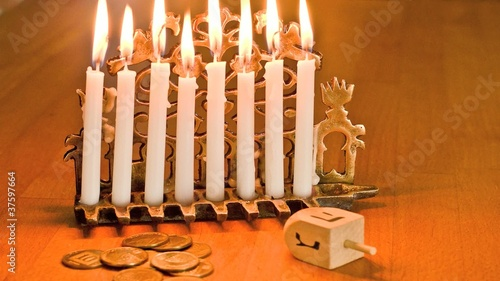 Timelapse - Hanukkah Candles Burning