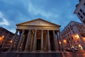 Il Pantheon all'alba, Roma antica