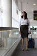 Geschäftsfrau am Flughafen