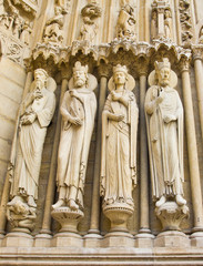 Notre dame Church's statue, Paris