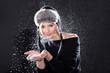 Frau mit Schnee in Fashion