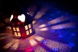 lanterna con stelle multicolor