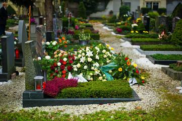 Grabstein auf einem Friedhof