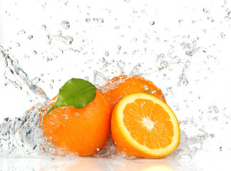 Orange fruits and Splashing water © Lukas Gojda