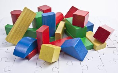Bauklötze auf einen Puzzle