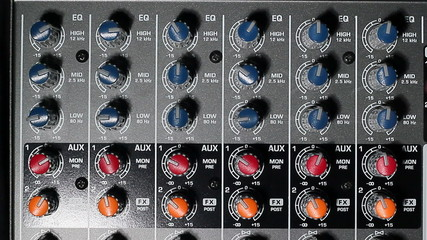 Studio mixer equalizer