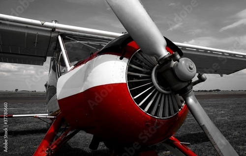 Fotobehang Rood, zwart, wit plane