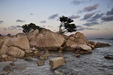 Sardegna scogli e mare tramonto