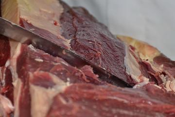 Rindfleisch zuschneiden