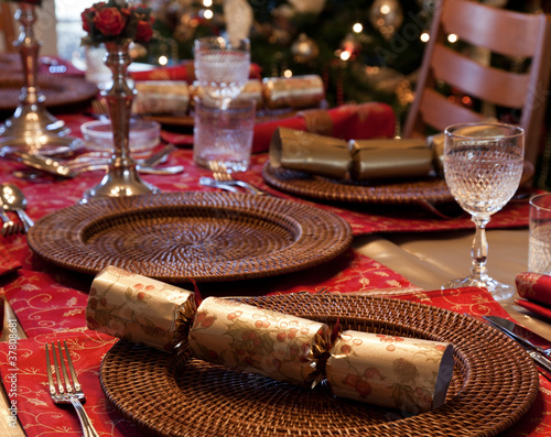 English Christmas table with crackers