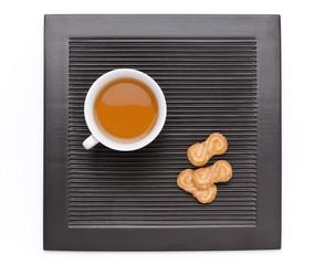 Tè nella tazza e biscotti