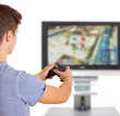 Mann spielt Computerspiel mit  Spielekonsole
