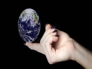 mondo su un dito