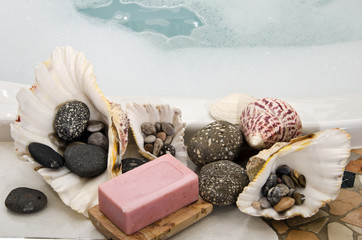 Welness: shells and stones in the bathroom as decoration