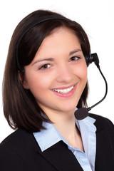 freundliche junge frau am servicetelefon