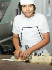 adolescent en cuisine