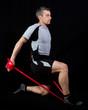 Athlet beim Fitnesstraining mit dem Fitnessband