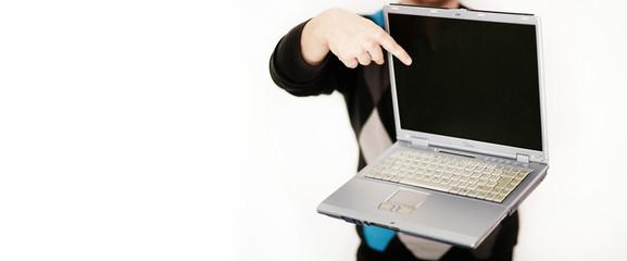 Notebook mit Finger