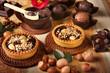 Tortine di cioccolata con nocciole
