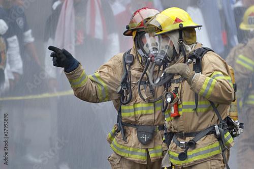 Leinwanddruck Bild Firemen