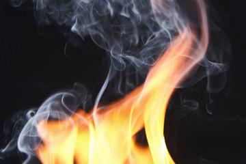 fuoco e fumo