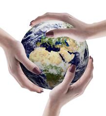 tre mani con mondo