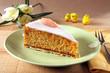karottenkuchen mit osterdeko