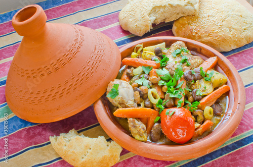 "Moroccan ""seven vegetables"" tagine with bread"