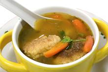 Tradycyjne Hondurasu capirotadas, ser pierogi, zupy.