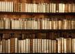 Altes Bücherregal