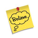 Post-it con chincheta texto Believe poster
