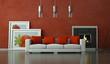 Wohndesign - Sofa vor Kamin rot