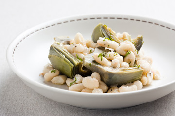 Artichokes and white beans