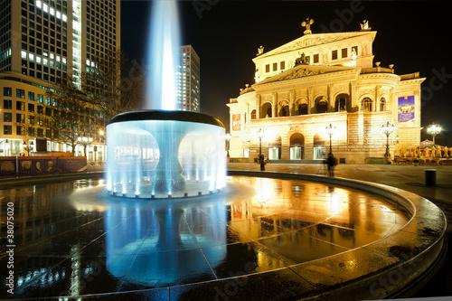 Papiers peints Opera, Theatre Old opera in Frankfurt at night