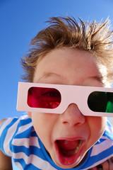 Kind mit 3-D Brille