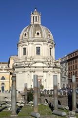 Chiesa Santa Maria di Loreto vista dal Foro Traiano