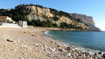 Grande plage de Cassis et le cap Canaille