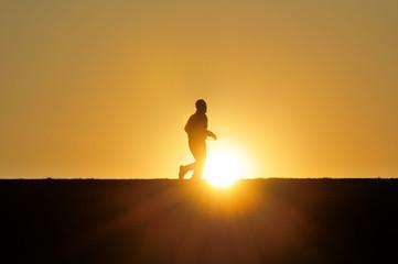 夕日とジョギング