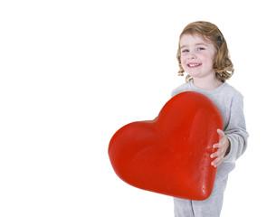 Bambina con cuore di San Valentino