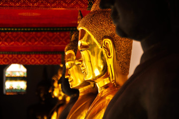 The golden statue of Buddha was sorted.