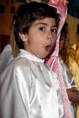 bambino che canta