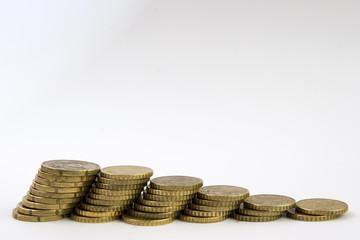 columnas de monedas cayendo
