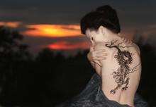 Gejsza z tatuażem