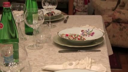 cena pranzo natale tavola imbandita