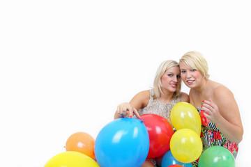 Zwischen Luftballons